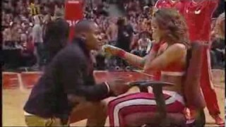 Petició de casament als Chicago Bulls